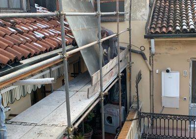 Porzione facciata cortile con tetto - prima